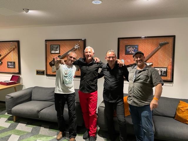 1. AUGUST LIVE MUSIC SESSION - MundArt