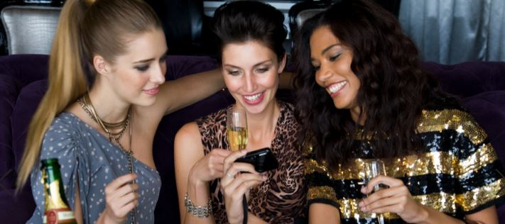 women drinking champagne